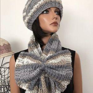 Hand Knits 2 Love Set Hat Shawl Bow Designer Chic